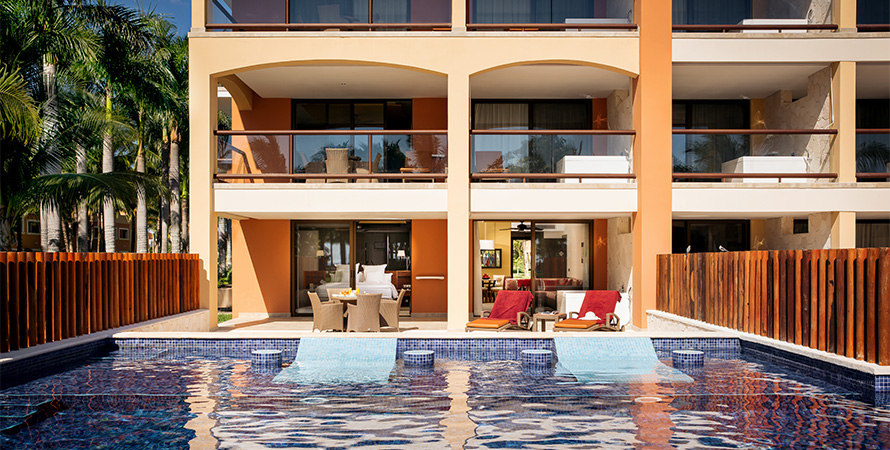 Caribe-Exec-Suite-Swim-Out_1_PITS